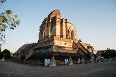 古老塔在Wat Chedi Luang,清迈,泰国 库存照片