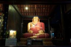 古老塔的肥胖菩萨在Wat Chedi Luang,泰国 免版税图库摄影