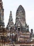古老塔,柴Wattanaram寺庙,阿尤特拉利夫雷斯, 免版税图库摄影
