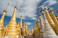 古老塔Shwe Inle湖,缅甸Indien  免版税库存图片