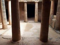古老墓室坟茔在大墓地复合体的第3在帕福斯,塞浦路斯 图库摄影