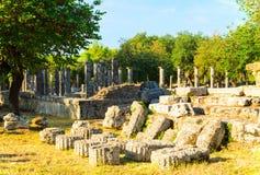 古老大厦火第一希腊左轻的奥林匹亚奥林匹克超出石头在哪里是 库存图片