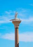 古老大理石雕塑圣西奥多 意大利威尼斯 库存照片