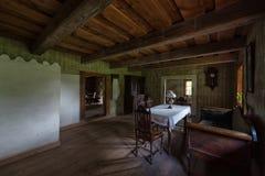 古老客厅内部Rumsiskes立陶宛 免版税库存图片