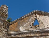 古老屋顶破坏了 免版税库存照片