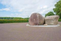 古老岩石由冰川曾经离开在解决附近 库存照片