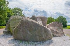 古老岩石由冰川曾经离开在解决附近 库存图片