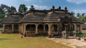 古老岩石裁减耆那教的寺庙 免版税库存图片