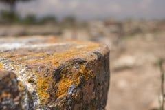 古老岩石 库存图片