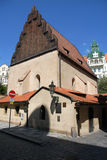 古老布拉格犹太教堂 免版税库存照片
