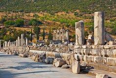古老废墟在以弗所土耳其 免版税库存图片