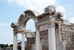 古老废墟在以弗所在土耳其 免版税图库摄影