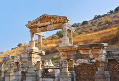 古老废墟在Ephesus土耳其 免版税库存照片