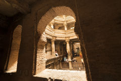 古老很好在艾哈迈达巴德,在印度西部,古杰雷特 2015年5月 库存照片