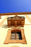 古老意大利别墅视窗 库存图片