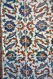 古老手工制造土耳其瓦片在Topkapi宫殿,伊斯坦布尔, Tur 库存照片