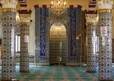 古老手工制造土耳其艺术性的墙壁瓦片 免版税库存图片
