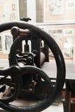 古老把柄印刷机,特写镜头夹子  库存图片