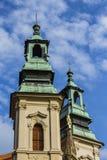 古老教会在老镇布拉格 cesky捷克krumlov中世纪老共和国城镇视图 免版税库存图片