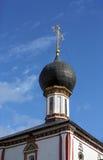 古老教会的圆顶 免版税库存照片