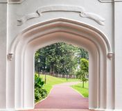 古老新加坡哥特式门堡垒装于罐中的公园 库存图片