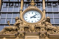 古老时钟在法兰克福Bahnhof 库存照片