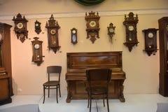 古老时钟的博物馆 免版税库存照片