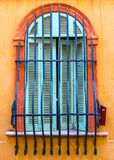 古老曲拱大厦列视窗 库存图片