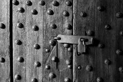 古老木门和锁 库存照片