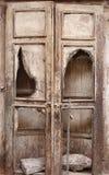 古老木门在镇 库存图片
