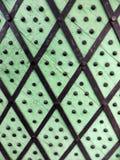 古老木门的片段 免版税库存照片