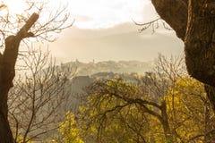 古老村庄的早晨视图 免版税库存图片
