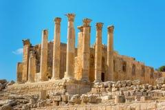 古老杰拉什约旦亚底米神庙 免版税库存图片