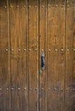 古老棕色门 免版税图库摄影