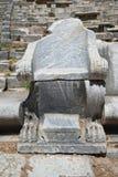 古老椅子石头 免版税库存照片