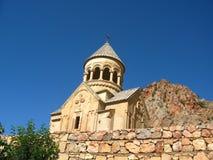 古老正统石修道院在亚美尼亚, Noravank,由黄色砖制成 免版税库存照片