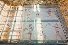古老比基尼泳装女孩马赛克 免版税库存照片