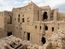 古老泥砖在Al哈姆拉,阿曼安置废墟 库存图片