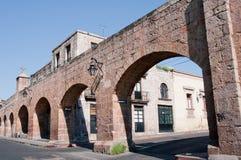 古老渡槽墨西哥墨瑞利亚 免版税库存图片