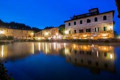 古老热量浴在Bagno Vignoni,意大利 免版税图库摄影