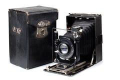 古老照相机和案例三 免版税图库摄影