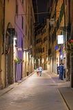 古老狭窄的街道的美好的风景在佛罗伦萨,它 库存图片