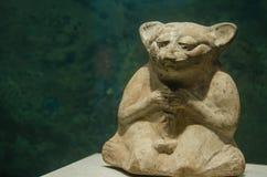 古老玛雅供以座位的老鼠形象 免版税库存图片