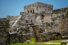 古老玛雅废墟的主要寺庙在Tulum墨西哥 库存图片