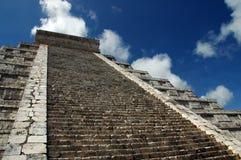古老玛雅金字塔视图 免版税图库摄影