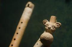 古老玛雅黏土乐器 库存图片