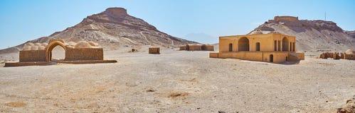 古老琐罗亚斯德教的埋葬复合体,亚兹德,伊朗 免版税库存图片
