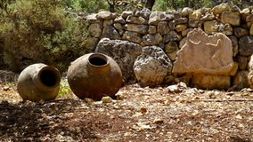 古老瓶子在以色列考古学站点 图库摄影