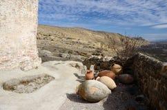 古老瓶子在洞镇Uplistsikhe,乔治亚,高加索,亚洲 免版税图库摄影