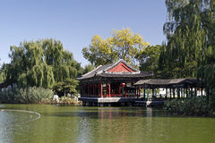 古老瓷庭院风景 免版税库存图片